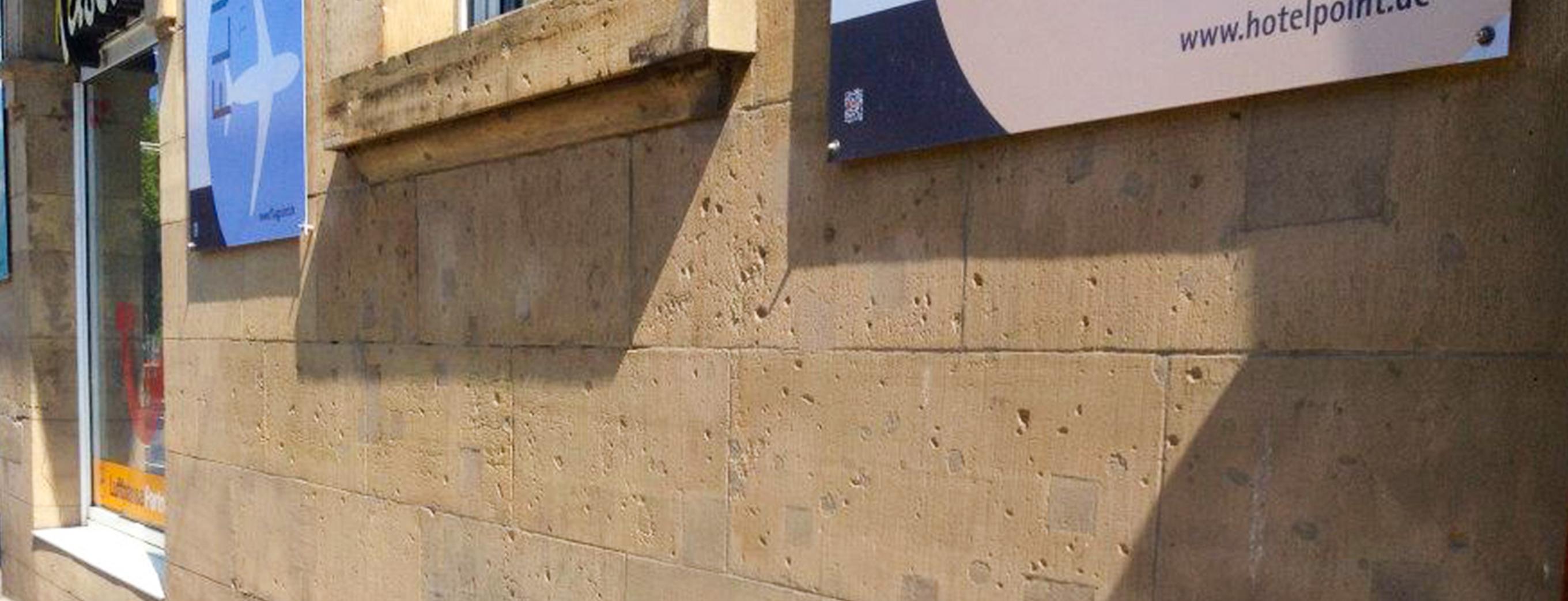 Fassadenarbeiten/Beseitigung von Graffitis