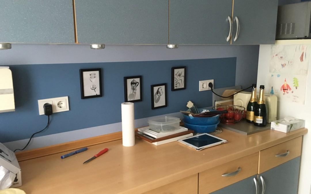 Küchenwandgestaltung zweifarbig